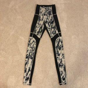 Lululemon stone design leggings with mesh